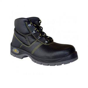 Security boots, size 45, black color
